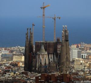 Sagrada Família ble påbegynt i 1883, men er fortsatt ikke ferdig!