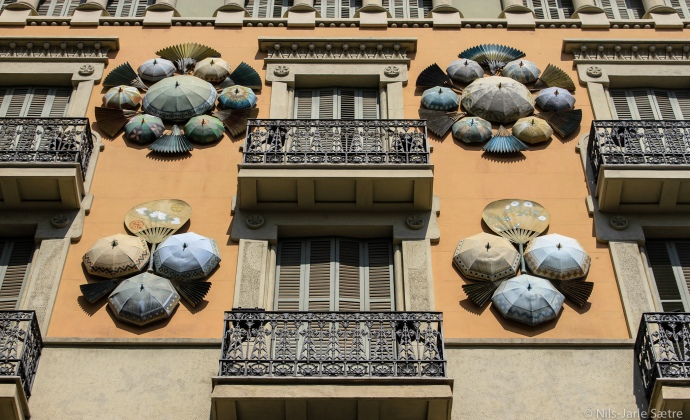 Casa Bruno Cuadros, også kjent som House of Umbrellas.